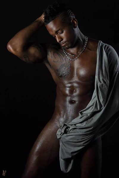 Stripteaseur black domicile à 75 thème militaire (Ashyl) pas cher.