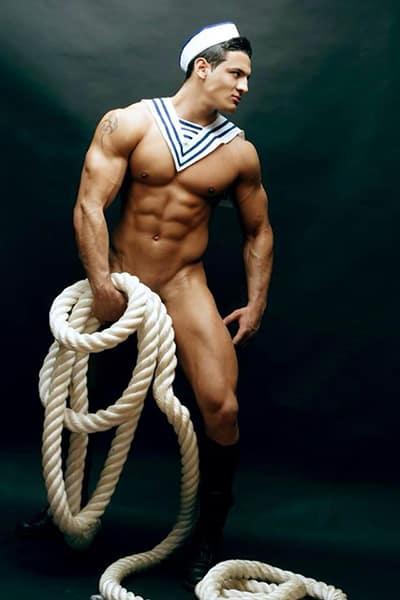 Stripteaseur sur Paris marins (Abraham) pas cher.